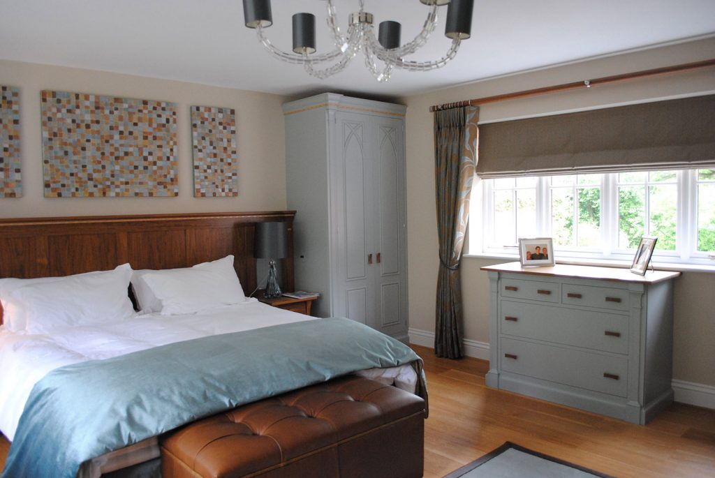 Aqua master bedroom tunbridge wells for Interior design 07760